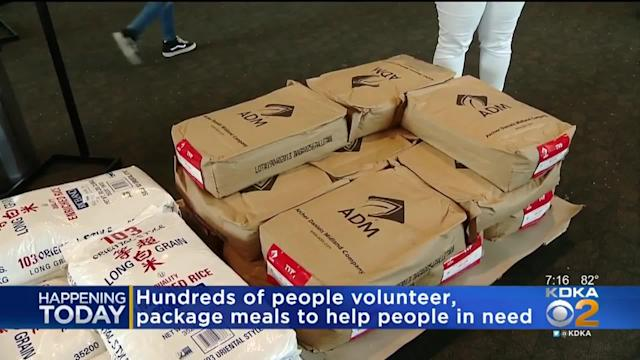 ed6430f853827 Rise Against Hunger hosted an event in Pittsburgh in an attempt to break  the record for
