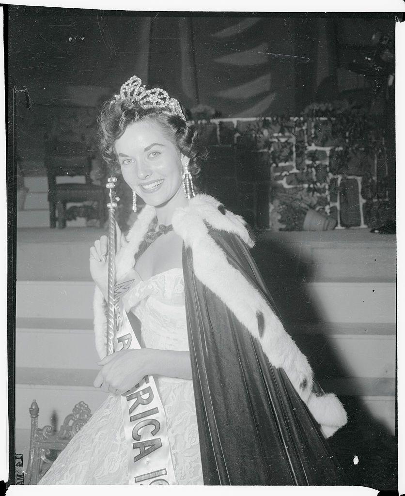 <p>Born in Los Angeles, Lee earned the title of Miss America in 1955. In those days, winning meant getting a crown, robe, and scepter.</p>