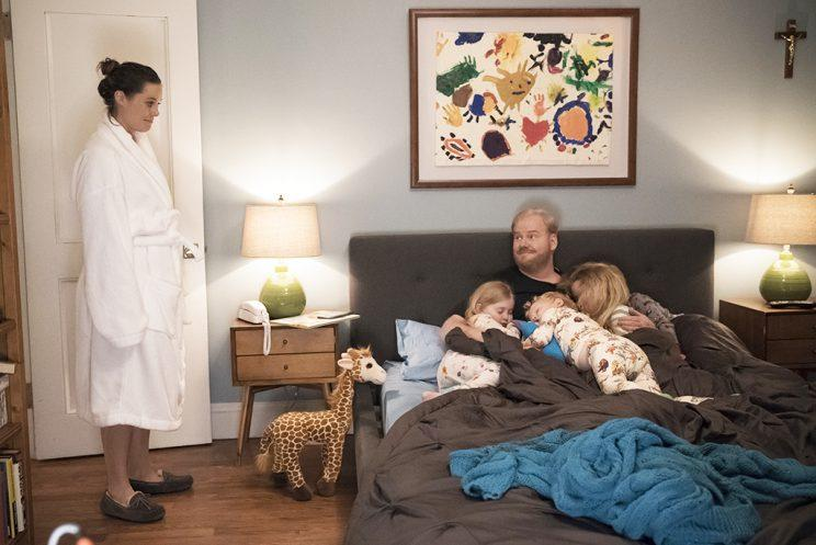 The Jim Gaffigan Show Season 2 Finale Preview It S A Whole Family Affair