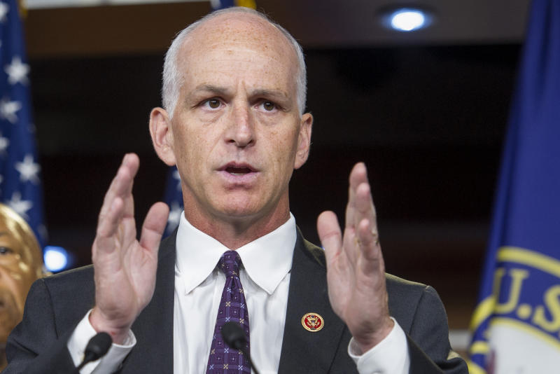 Armed Services Committee chairmen resolve to narrow defense bill in 2020