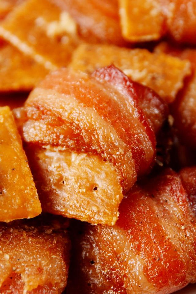 """<p>Get your fix.</p><p>Get the recipe from <a rel=""""nofollow"""" href=""""http://www.delish.com/cooking/recipe-ideas/recipes/a52549/bacon-crack-bites-recipe/"""">Delish</a>.</p>"""