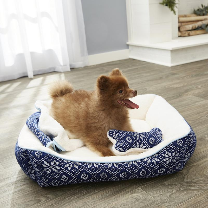 Frisco Fair Isle Cuddler Pet Bed & Gift Set. (Photo: Chewy)