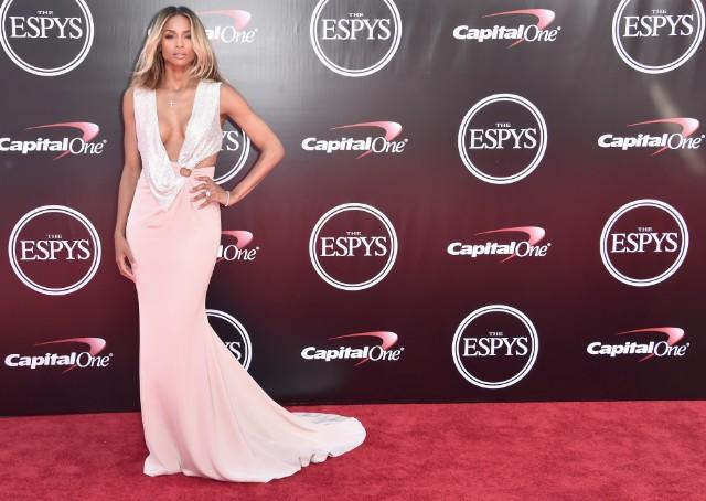 "Ciara Clarifies Her ""Level Up"" Instagram Comment Towards Single Women"
