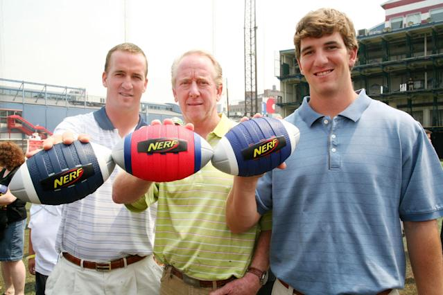 Peyton Manning, Archie Manning and Eli Manning at the Nerf Father's Day Football Throwdown on June 14, 2008, at Chelsea Piers in New York. (Photo by Astrid Stawiarz/Getty Images)