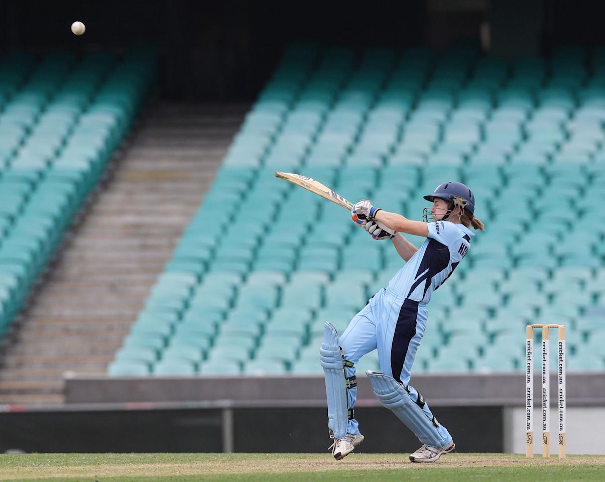 SYDNEY, AUSTRALIA - JANUARY 13:  Rachael Haynes of the Breakers bats during the WNCL Final match between the NSW Breakers and the Queensland Fire at the Sydney Cricket Ground on January 13, 2013 in Sydney, Australia.  (Photo by Craig Golding/Getty Images)