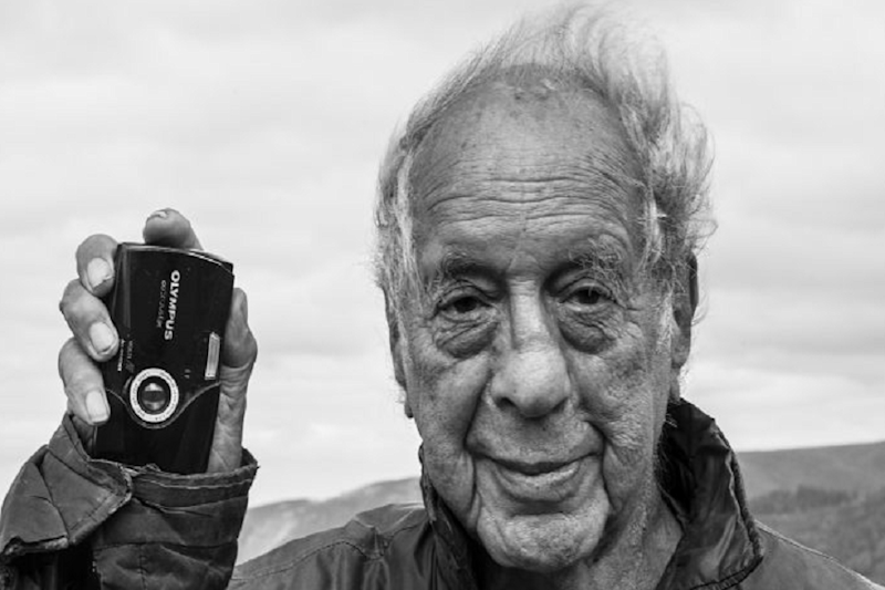 Influential Swiss Photographer Robert Frank Dies at 94