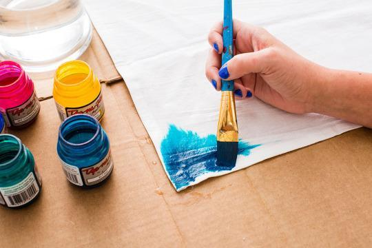 Make Quick and Easy Watercolor Table Linens That Won't Bleed