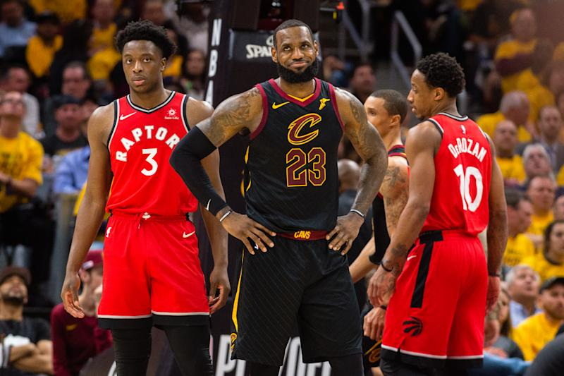 new concept b4bcb 955f5 LeBron dominates as Cavs shoot lights out, sweep Raptors ...