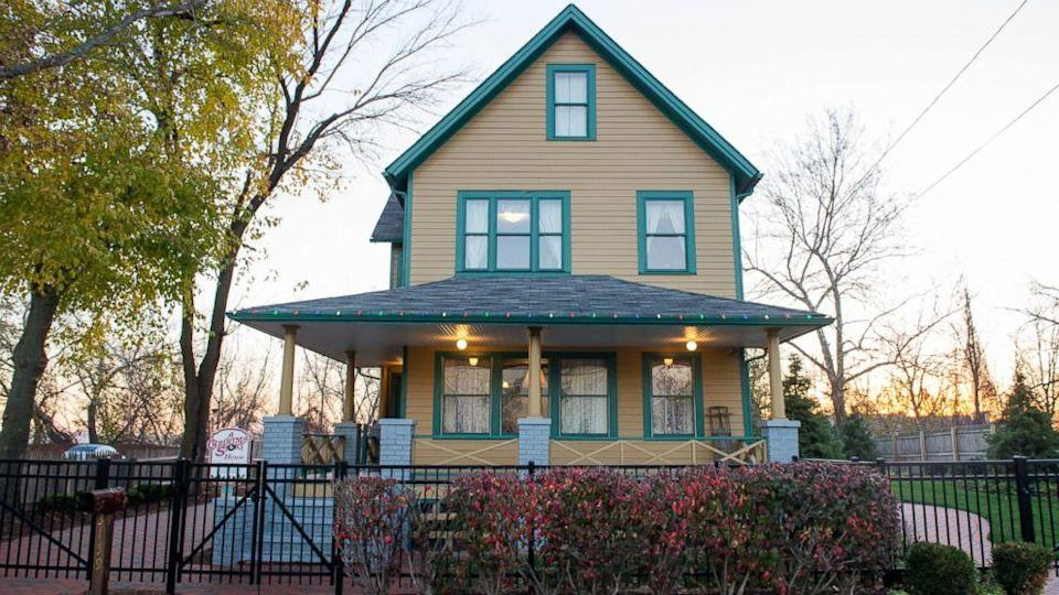 One Lucky Fan Could Spend Two Nights in the House From 'A Christmas Story' (ABC News)