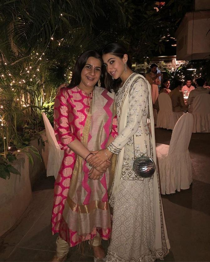 Bollywood daughters who look like their mothers