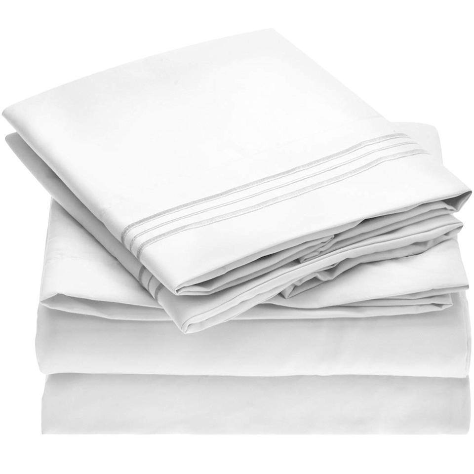 """<p>Amazon's most popular sheet set, which is already incredibly affordable, is further discounted this holiday weekend with four-piece sets going for just $25. The super soft, long-lasting sheets have racked up over 39,000 five-star reviews and continue to be a bestseller season after season.</p> <p><strong>To buy:</strong> $25 (was $30); <a href=""""https://www.amazon.com/Mellanni-Bed-Sheet-Set-Hypoallergenic/dp/B00NLLUMOE/ref=as_li_ss_tl?ie=UTF8&linkCode=ll1&tag=rshomebeddingmemorialdaysalejmattern0519-20&linkId=55d40e09686ca4cf373f29986f1178b1&language=en_US"""" target=""""_blank"""">amazon.com</a>.</p>"""