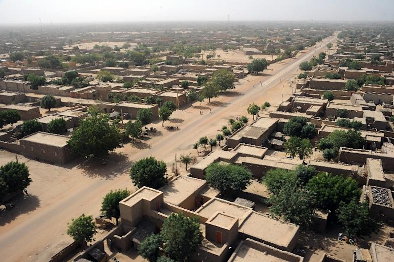 This photo taken on February 17, 2013 shows an aerial view of Gao, northern Mali, where former Tuareg rebels entered January 5, 2017 to begin joint patrols with government troops