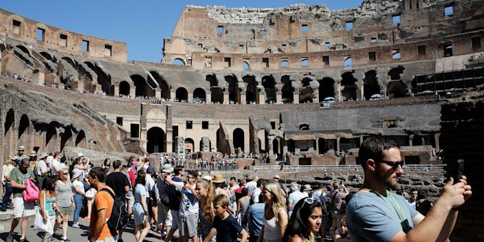 tourists at the colosseum .JPG