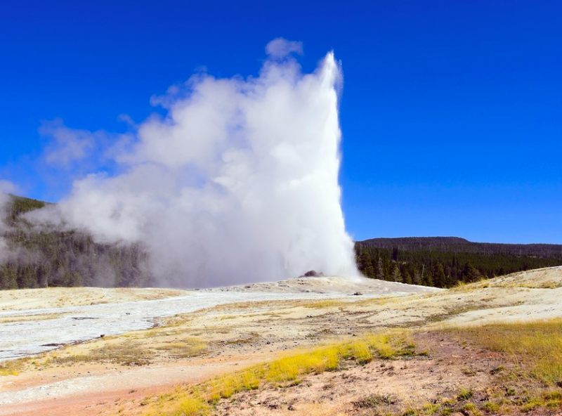 old faithful geyser yellowstone Credit: Mike Goad creative commons Pixabay