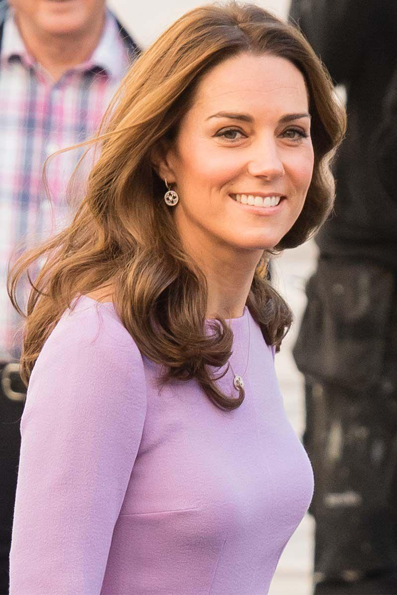 <p>Kate Middleton donned loose waves and honey highlights for an outing in London. </p>