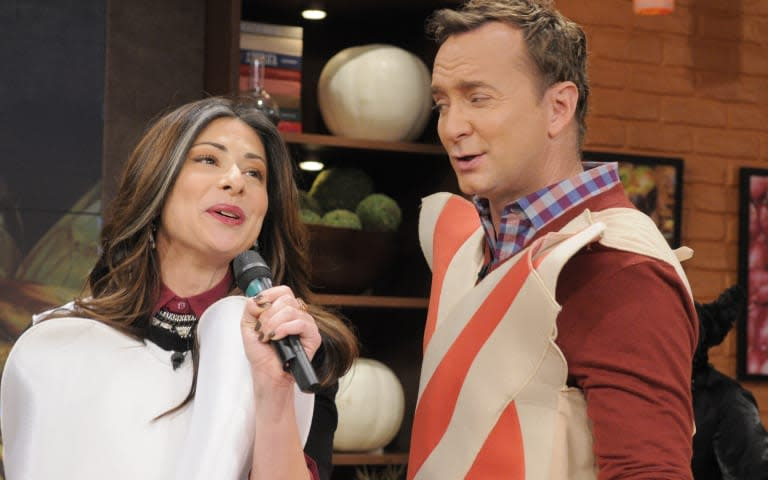 THE CHEW - (airs 10.26.12) - Stacy London visits