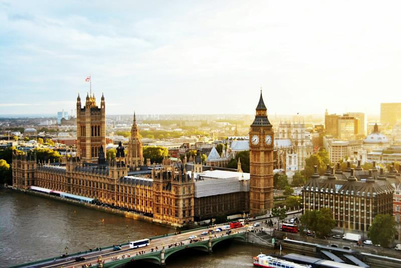 As Brexit Begins, London and Paris Sign Tourism Agreement