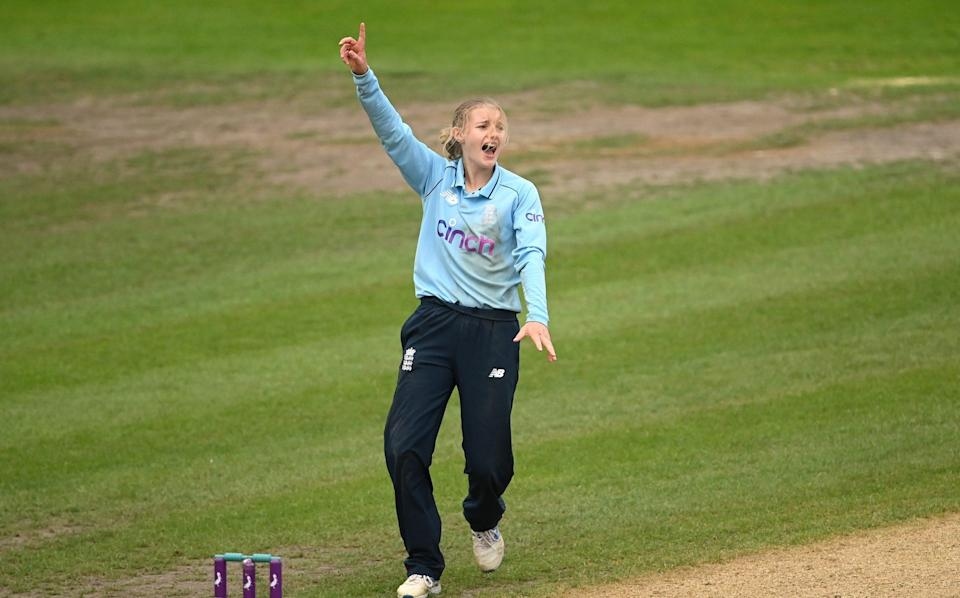 Charlie Dean of England celebrates taking the wicket of Leigh Kasperek of New Zealand during the 2nd One Day International match between England and New Zealand at New Road on September 19, 2021 in Worcester, England. - GETTY IMAGES