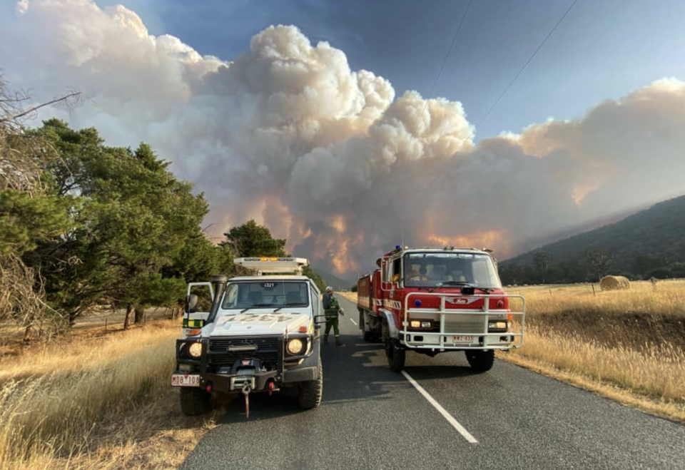 Smoke billows into the sky at the Nariel Valley in Victoria at the Corryong fire. Source: Tom Goldstraw via Vic Emergency