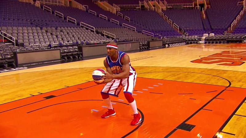 Watch Harlem Globetrotters Player's Amazing 82-Foot Backward Shot