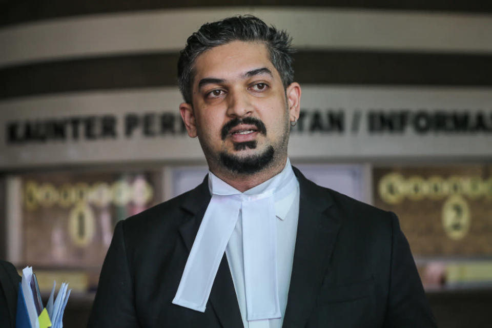 Lawyer V. Vemal Arasan speaks to reporters at the Shah Alam High Court April 23, 2021. — Picture by Yusof Mat Isa