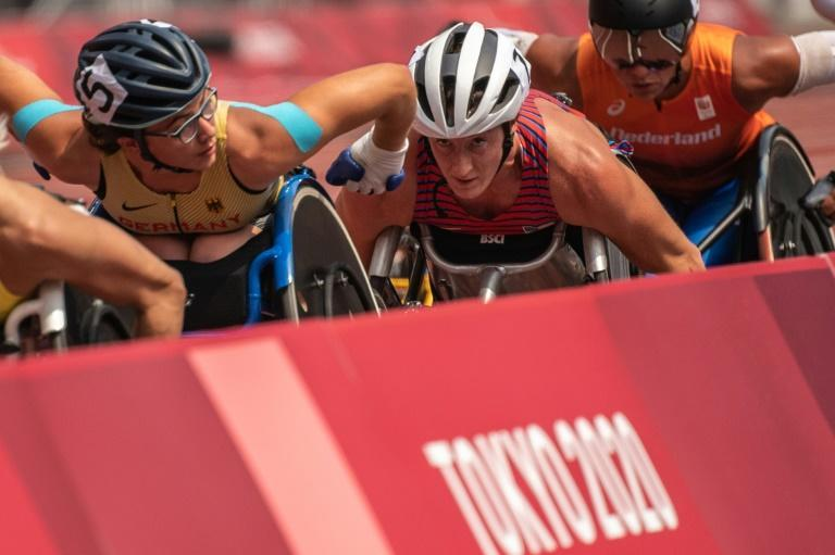 US wheelchair racer Tatyana McFadden competes in the women's T54 5,000m at the Tokyo Paralympics on Saturday (AFP/Philip FONG)