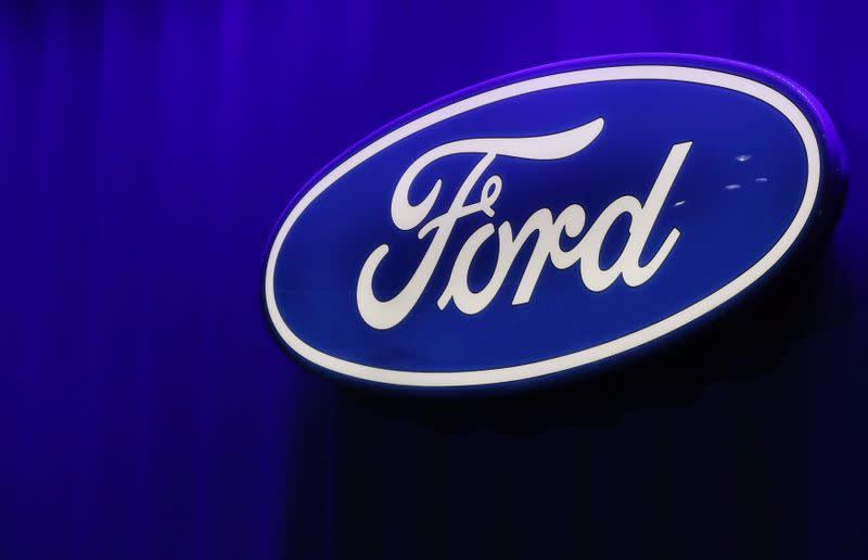 Ford, VW will stay neutral on challenges to Trump vehicle emissions rule: document