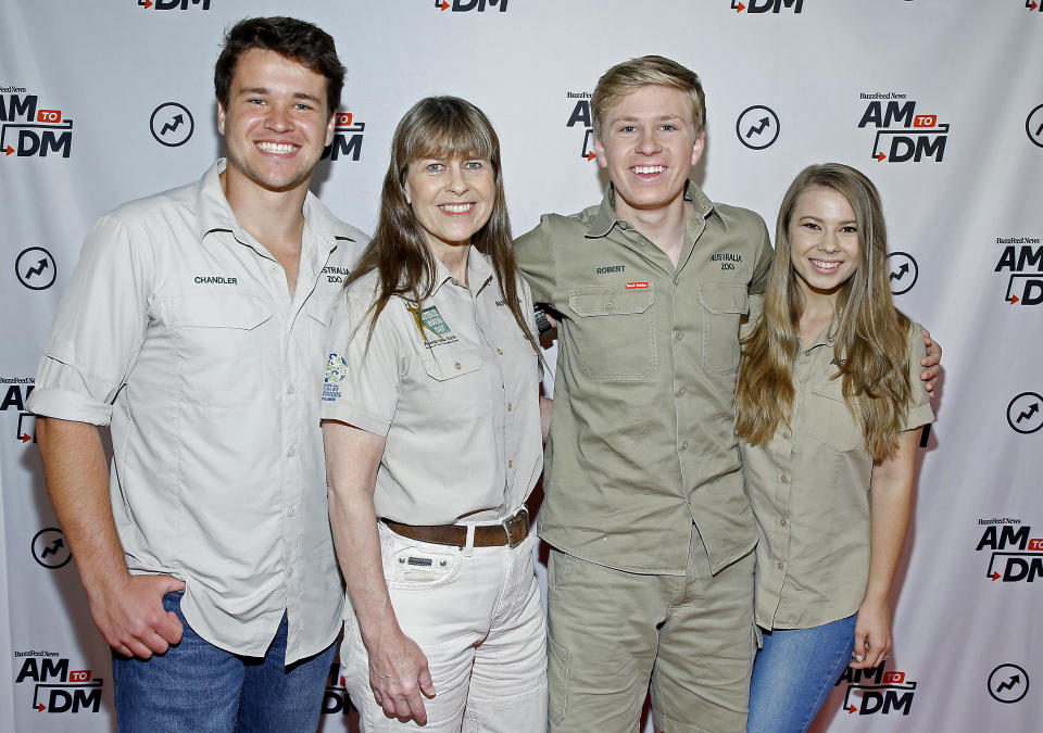 "NEW YORK, NEW YORK - OCTOBER 02: Chandler Powell, Terri Irwin, Robert Irwin and Bindi Irwin visit BuzzFeed's ""AM To DM"" on October 02, 2019 in New York City. (Photo by John Lamparski/Getty Images)"