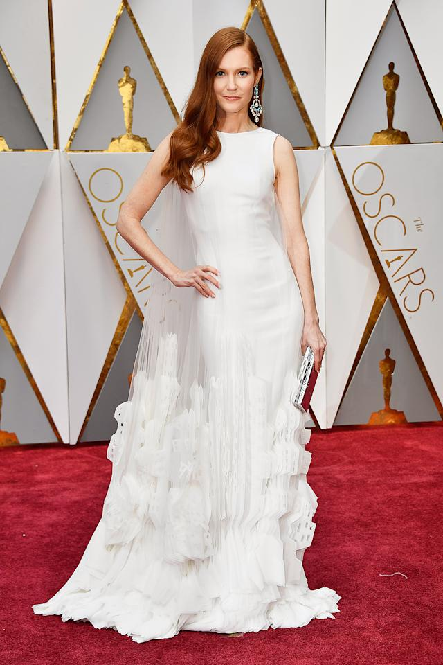 <p>Darby Stanchfield attends the 89th Annual Academy Awards at Hollywood & Highland Center on February 26, 2017 in Hollywood, California. (Photo by Frazer Harrison/Getty Images) </p>