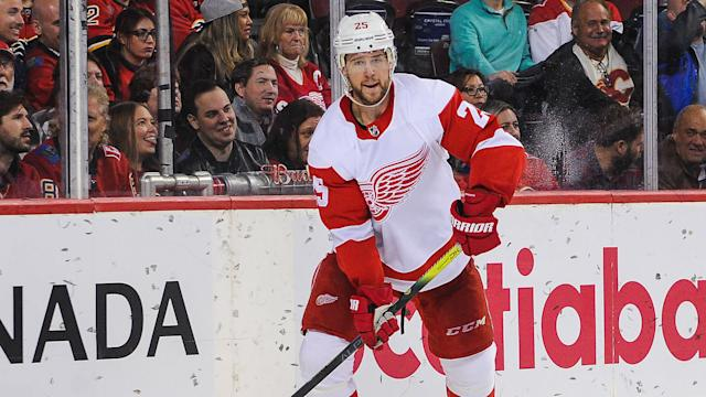 mike-green-detroit-red-wings-122419-getty-ftr.jpeg