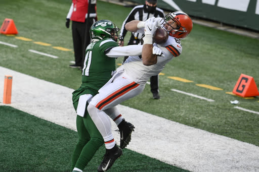 New York Jets' Matthias Farley (41) defends against Cleveland Browns' Austin Hooper (81) during the second half of an NFL football game Sunday, Dec. 27, 2020, in East Rutherford, N.J. (AP Photo/Corey Sipkin)