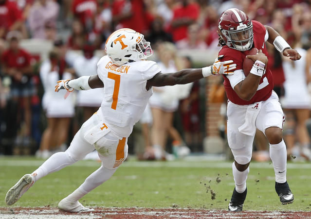 "<a class=""link rapid-noclick-resp"" href=""/ncaaf/players/240261/"" data-ylk=""slk:Rashaan Gaulden"">Rashaan Gaulden</a> flipped off Alabama fans in October and Kirk Herbstreit said he should have been kicked off the team. (AP Photo/Brynn Anderson, File)"