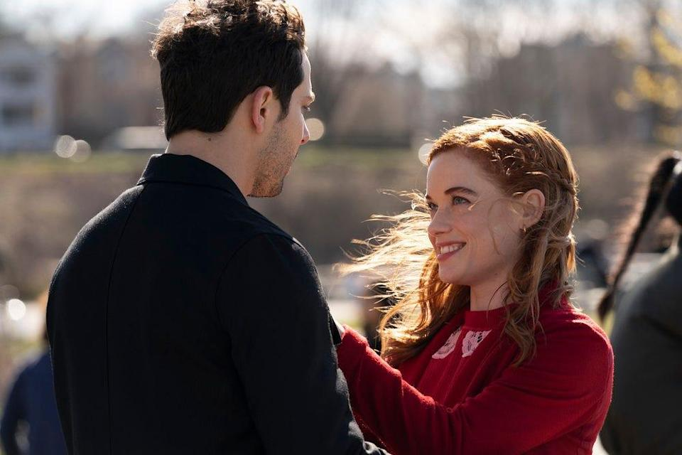 """Pictured: (l-r) Skylar Astin as Max, Jane Levy as Zoey Clarke in the season 2 finale of """"Zoey's Extraordinary Playlist."""""""