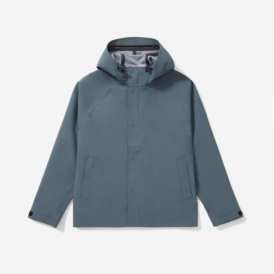"<p><strong>everlane</strong></p><p>everlane.com</p><p><strong>$128.00</strong></p><p><a href=""https://go.redirectingat.com?id=74968X1596630&url=https%3A%2F%2Fwww.everlane.com%2Fproducts%2Fmens-renew-storm-jacket-dark-slate&sref=https%3A%2F%2Fwww.menshealth.com%2Fstyle%2Fg32904980%2Fbest-rain-jackets-for-men%2F"" rel=""nofollow noopener"" target=""_blank"" data-ylk=""slk:BUY IT HERE"" class=""link rapid-noclick-resp"">BUY IT HERE</a></p><p>Everlane low-key makes some very good jackets, including this Storm one. It's made from 100% recycled polyester and is seam-sealed so no droplets slip through. Plus, the boxy shape lets some airflow in. </p>"