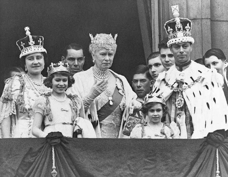 The Royal Family on the balcony at Buckingham Palace after the coronation of King George VI of England. Photo by Hulton-Deutsch Collection/CORBIS/Corbis via Getty Images.