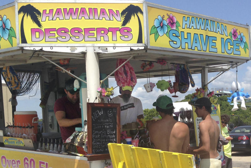 Shave ice vendor defies town's new ban on peddlers