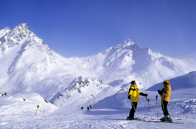 piste au sommet du Pardatschgrat, domaine skiable, Ischgl, vallee de Paznaun, Silvretta region du Tyrol, Autriche slopes, top of the Pardatschgrat in ski area, Ischgl, Paznaun valley, Silvretta in Tyrol area, Austria. (Photo by JARRY/TRIPELON/Gamma-Rapho via Getty Images)