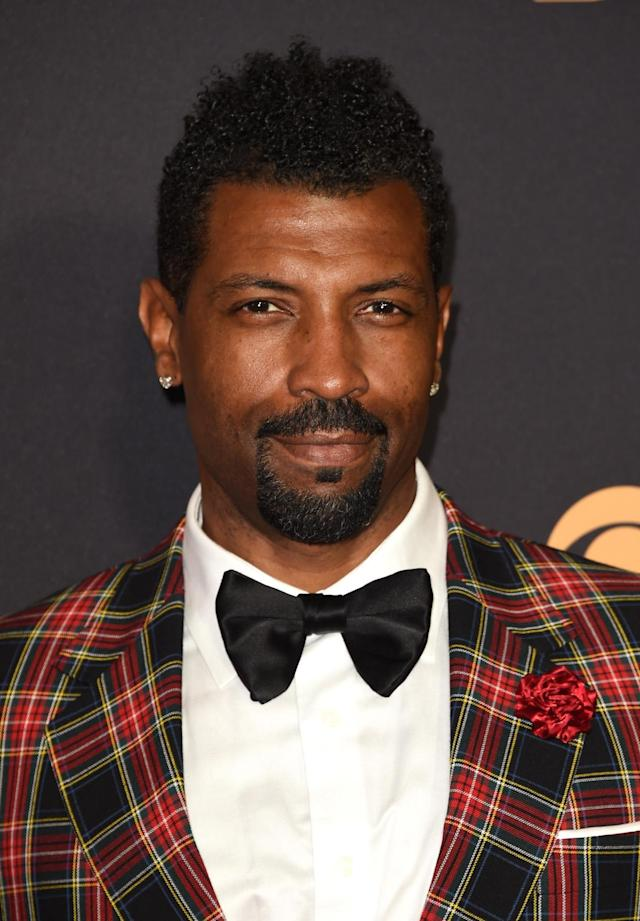 <p>Deon Cole looks like the perfect date with his pillow-soft-looking coils. (Photo: J. Merritt/Getty Images) </p>