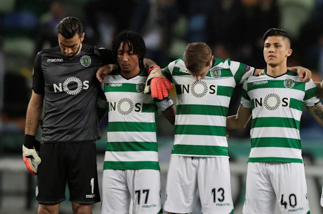 Soccer Football - Europa League Round of 16 First Leg - Sporting CP vs Viktoria Plzen - Estadio Jose Alvalade, Lisbon, Portugal - March 8, 2018 Sporting's Rui Patricio, Gelson Martins, Stefan Ristovski and Fredy Montero line up during a minutes silence in memory of Davide Astori before the match REUTERS/Rafael Marchante