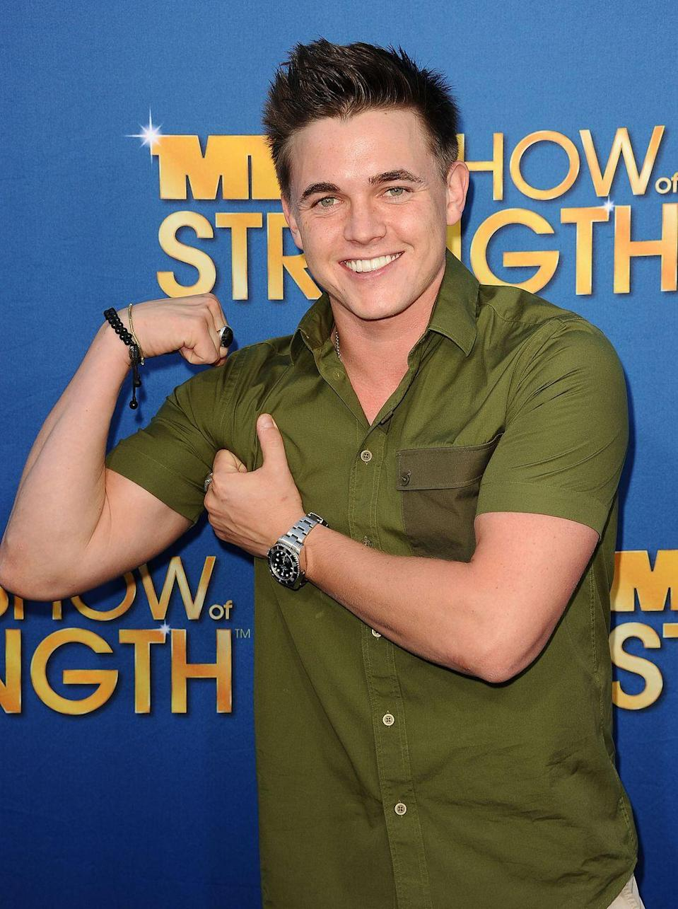 <p>Singer Jesse McCartney reveals why his short sleeve shirt is so tight on his arms, flashing a cheeky flex at the MDA Labor Day Telethon in 2012. </p>