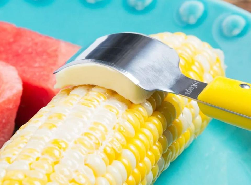 """Ensure each kernel is coated in that golden goodness without much of a hassle or mess.<br /><br /><strong>Promising review:</strong>""""I purchased the corn butter knife early in the summer — just in time for corn season. Since it comes in a set of two, I gave one to my daughter and son-in-law; their comment was, """"Why hasn't anyone ever thought of this before?!""""<strong>It's a MUCH better solution than rolling the cob in a slab of butter!</strong>"""" —<a href=""""https://go.skimresources.com?id=38395X987171&xs=1&url=https%3A%2F%2Fwww.thegrommet.com%2Fproducts%2Fbutteronce-corn-butter-knife-two-pack&xcust=HPWantedKitchenGadgets6087326be4b09a22a4461b8c"""" target=""""_blank"""" rel=""""noopener noreferrer"""">Anne</a><br /><br /><strong>Get a pack of two from The Grommet for <a href=""""https://go.skimresources.com?id=38395X987171&xs=1&url=https%3A%2F%2Fwww.thegrommet.com%2Fproducts%2Fbutteronce-corn-butter-knife-two-pack&xcust=HPWantedKitchenGadgets6087326be4b09a22a4461b8c"""" target=""""_blank"""" rel=""""noopener noreferrer"""">$13.95</a>.</strong>"""