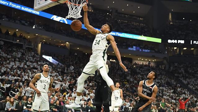 The Greek Freak pulled a Michael Jordan and dunked in-game with a free throw line slam.
