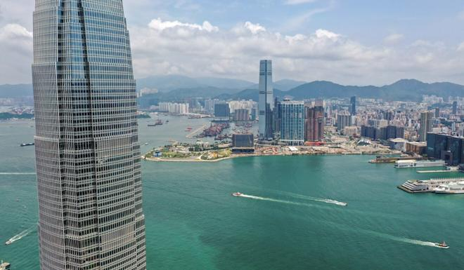 The average cash salary earned per year by mid-level expats in Hong Kong last year the highest in the region. Photo: Roy Issa