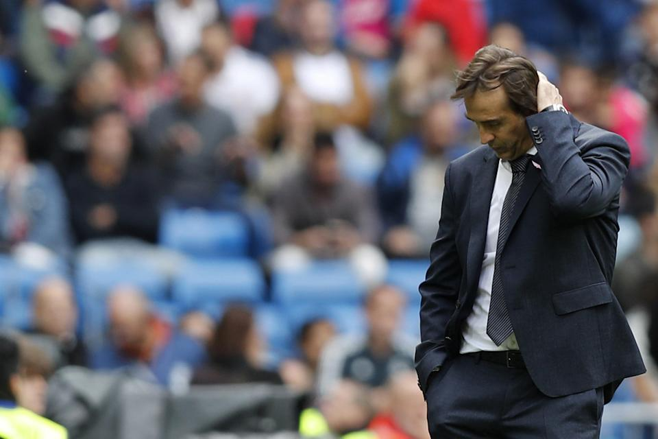 """The pressure on <a class=""""link rapid-noclick-resp"""" href=""""/soccer/teams/real-madrid/"""" data-ylk=""""slk:Real Madrid"""">Real Madrid</a> manager Julen Lopetegui is mounting after Saturday's 2-1 home loss to <a class=""""link rapid-noclick-resp"""" href=""""/soccer/teams/levante/"""" data-ylk=""""slk:Levante"""">Levante</a>. (EFE/Rodrigo Jimenez)"""