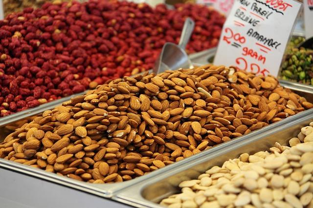 <p><strong></strong>If you are studying late into the night, and have the urge to munch on something, avoid going for sugary, high fat food. Instead, opt for nuts, seeds, dry fruits and fresh fruits. Nuts such as almonds, walnuts, peanuts and cashew nuts are filling, are low in saturated fat and are among the best sources of Omega 3 fats, Vitamin E and other nutrients. Have walnuts for the Omega-3 fats, almonds for Vitamin E, which help improve your memory and enhance problem solving skills, cashew for selenium, the heart friendly monounsaturated-fatty acids and to improve your memory and hazel nuts for folate which helps in decreasing the risk of neural tube birth defects, cardiovascular diseases and fights depression. Another good snack to munch on when you are hungry are seeds such as pumpkin and sunflower seeds. They are a good source of Vitamin E and help give your brain a boost. Pumpkin seeds also have a high amount of magnesium and Omega 3 fats, which help to calm the brain. </p>