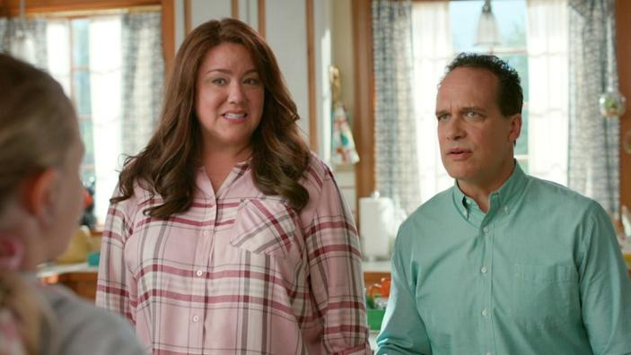 """American Housewife -- ABC TV Series, AMERICAN HOUSEWIFE - """"Graduation"""" - Katie goes to great lengths to appease Principal Ablin (Jerry Lambert) in order to ensure Taylor graduates high school. Meanwhile, Greg finishes ghost writing the final chapter of Lonnie's (Matt Shively) book. And while Oliver is devastated to learn Cooper's (Logan Pepper) family will be moving out of Westport, Anna-Kat tells Franklin (Evan O'Toole) she is ready to venture outside her comfort zone and plans to attend sleep-away camp during summer break on the season premiere """"American Housewife,"""" WEDNESDAY, OCT. 28 (8:30-9:00 p.m. EDT), on ABC. (ABC) KATY MIXON, DIEDRICH BADER Katy Mixon and Diedrich Bader in """"American Housewife"""" on ABC."""