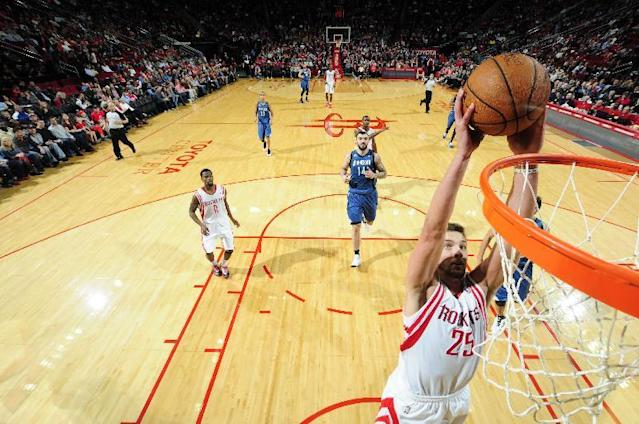HOUSTON, TX - NOVEMBER 23: Chandler Parsons #25 of the Houston Rockets shoots the ball against the Minnesota Timberwolves on November 23, 2013 at the Toyota Center in Houston, Texas. (Photo by Bill Baptist/NBAE via Getty Images)