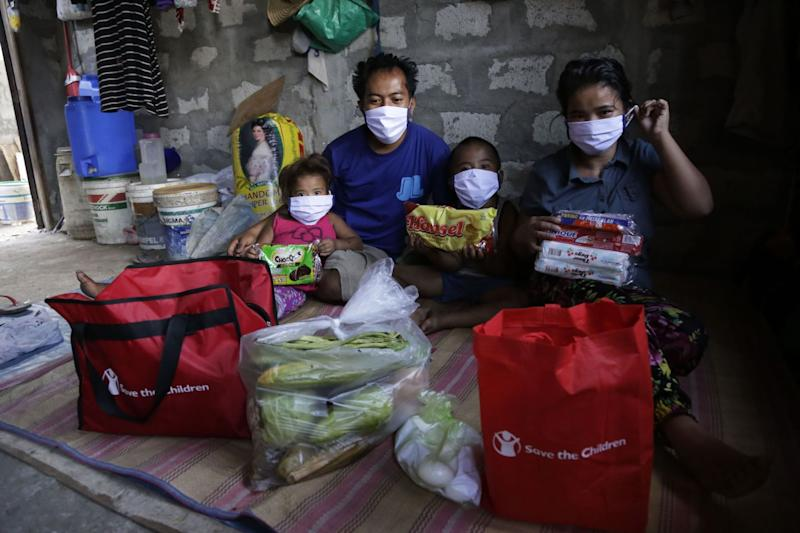 Save the Children staff in one of their outreach projects in Metro Manila during the pandemic. Photo: Save the Children Philippines