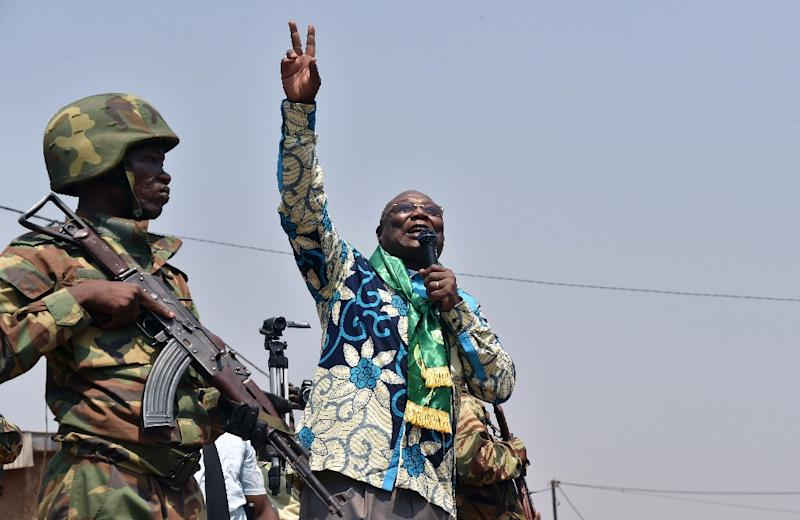 Central African Republic presidential candidate Martin Ziguele gestures during a campaign rally in the Muslim district of PK5 in Bangui (AFP Photo/Issouf Sanogo)