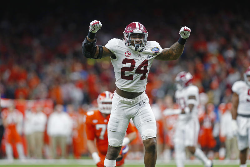Alabama star linebacker tears ACL